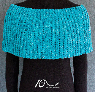 Corkscrew-cables-capelet-for-ravelry_small2