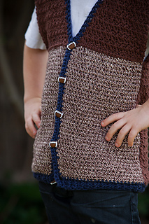 Cotton_textured_vest_7_close_up_small2