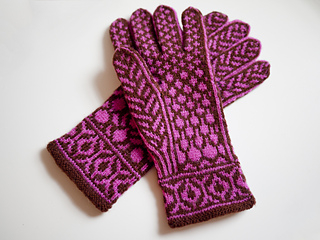 Redbud_gloves_pic2_small2