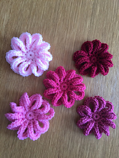 Ravelry: Loopy Flower for February pattern by Ali Crafts ...