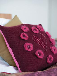 Hearts_and_flowers_cushion_260x310_0-1_small2