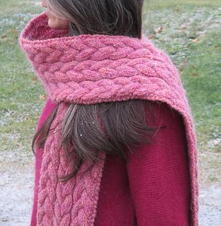 Ravelry: Fleur-de-lis Scarf pattern by Amanda Lilley
