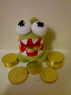 Ravelry: Om Nom (Cut the Rope) pattern by Ruth Jepson
