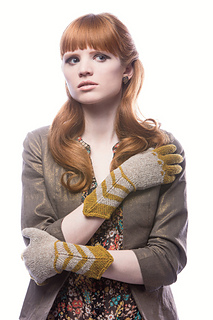 Gothic-gloves_small2