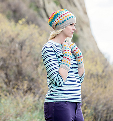 Lise-hat-and-armwarmers_small