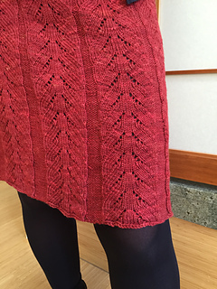 Lacy_pleats_lace_detail_small2