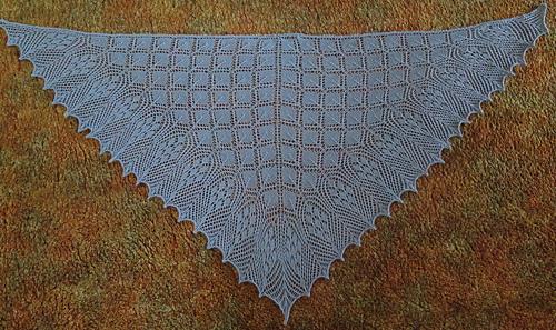 Ethereal_triangular_shawl1_medium
