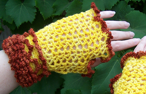 Lace_mitts_002_cropped_medium