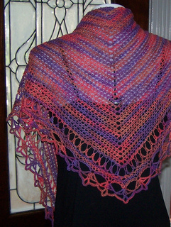 Triangular_scarf_021_sel_small2