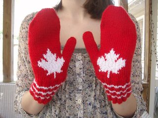 Maple_leaf_mittens_small2