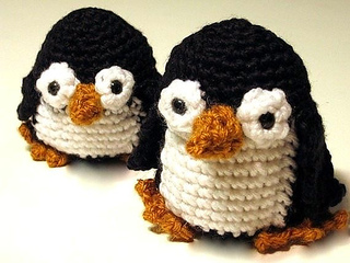 Paco-penguin-crochet-pattern_small2