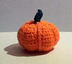 Crochet_pumpkin_segment_ball__3__small