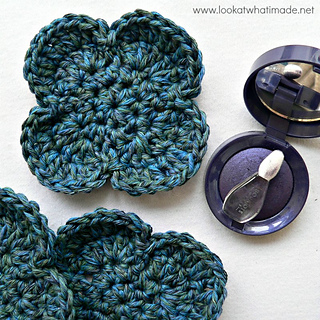 Simple_flower_face_scrubbie_pattern_small2