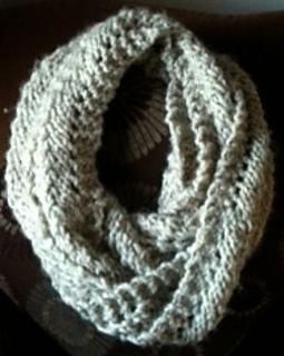 Reverse_scallop_lace_pattern_stitch_infinity_scarf_view_2_small2