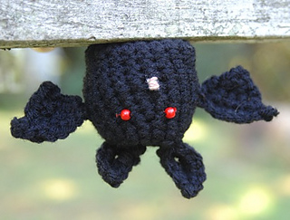 Crochet_bat_small2