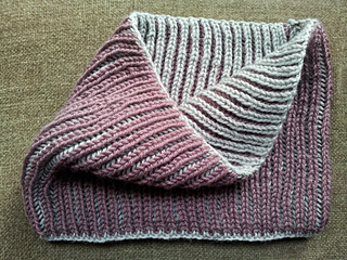 Ravelry Cuello Reversible Dos Colores Reversible Cowl
