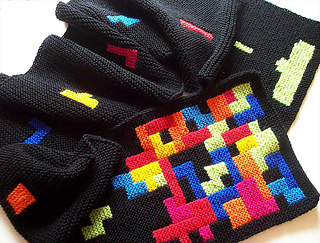 Tetris_scarf_012-800_medium2_small2