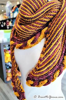 Knitting-pattern-shawl-golden-snitch-8_small2