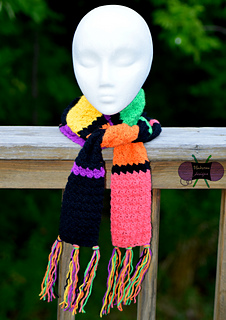Lorelai_scarf2wm_small2