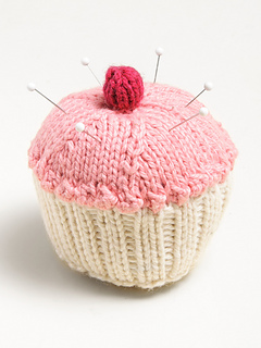 Cupcakepincushion_900x1198_small2