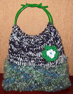 S_bag_with_handles_green_feb_2010_small2