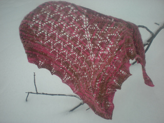 Fuchsia_shawl_snowy_day_small2