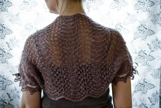 Easy_breezy_shoulder_shrug_3_caroline_maasing_small2