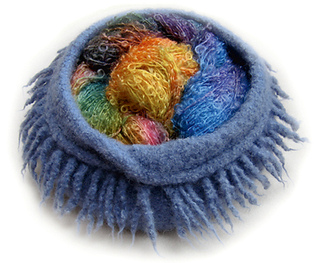 Blue_bowl_yarn_small2