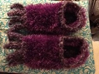 Knitting Pattern For Baby Oleg : Ravelry: Monster slippers pattern by Cate brassington