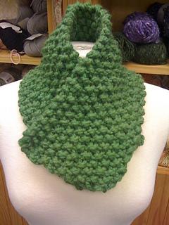 Evergreen_neck_warmer_small2
