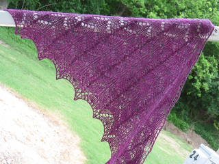 Iristriangleshawlfinished_010_small2