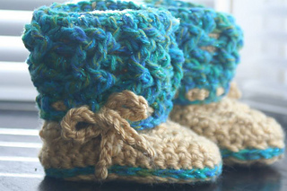 Charmed_by_ewe_aislinn_celtic_dream_baby_boots_made_by_dee_small2
