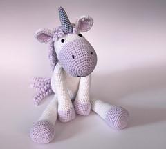 Amigurumi Unicornio Paso A Paso : Ravelry: Calista the Unicorn pattern by Aphra Dowell-Jones