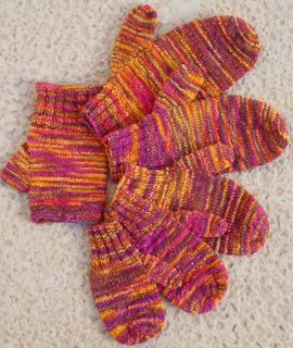 Jetson_family_of_mittens___fingerless_gloves_small2