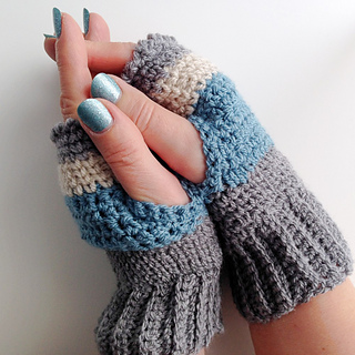Finished_fingerless_mittens_2_small2