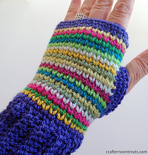 Rainbow_crochet_fingerless_mittens_by_crafternoon_treats_small2