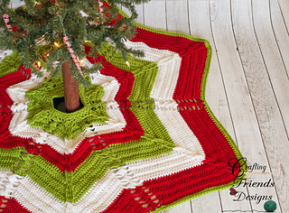 Classic_cable_christmas_tree_skirt_2