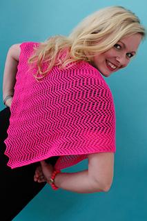 Hot_pink_lace_shawl_small2