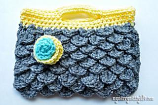 Crochet-crocodile-clutch-5_small2