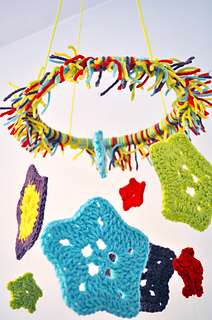Crochet-baby-mobile_small2