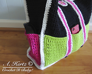 Crochet Bag With Pockets Pattern : Ravelry: Large Tote Bag with Pockets Pattern pattern by ...