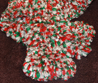 Knit_-_fabulous_christmas_scarf_-_2_small2