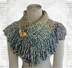 Fringed_neckwarmer_with_background_small
