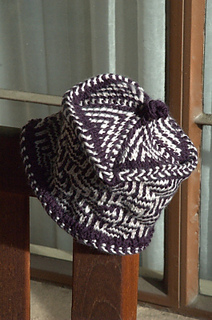 Moms-maze-and-chevron-hat_small2