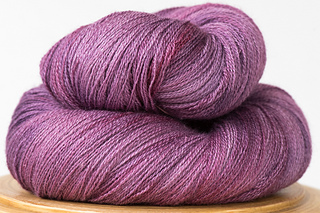 Arietta-hand-dyed-yarn-sugar-plum_small2