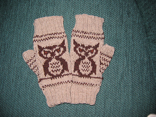 Superb_owl_mitts_small2