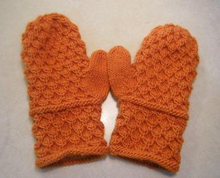 Orange_amaliya_mittens_done_small2