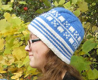 Latvian_hat_1000_small2