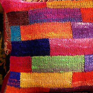 Patchwork_pillow_small2