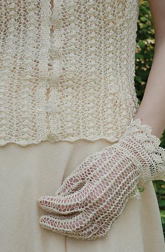 Lace_gloves_medium